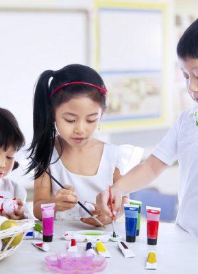 Tahap-tahap Perkembangan Anak Usia 0-5 tahun